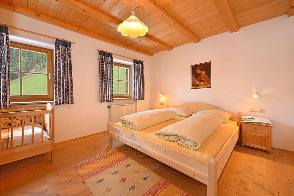 ferienwohnung-fichte-doppelbettzimmer