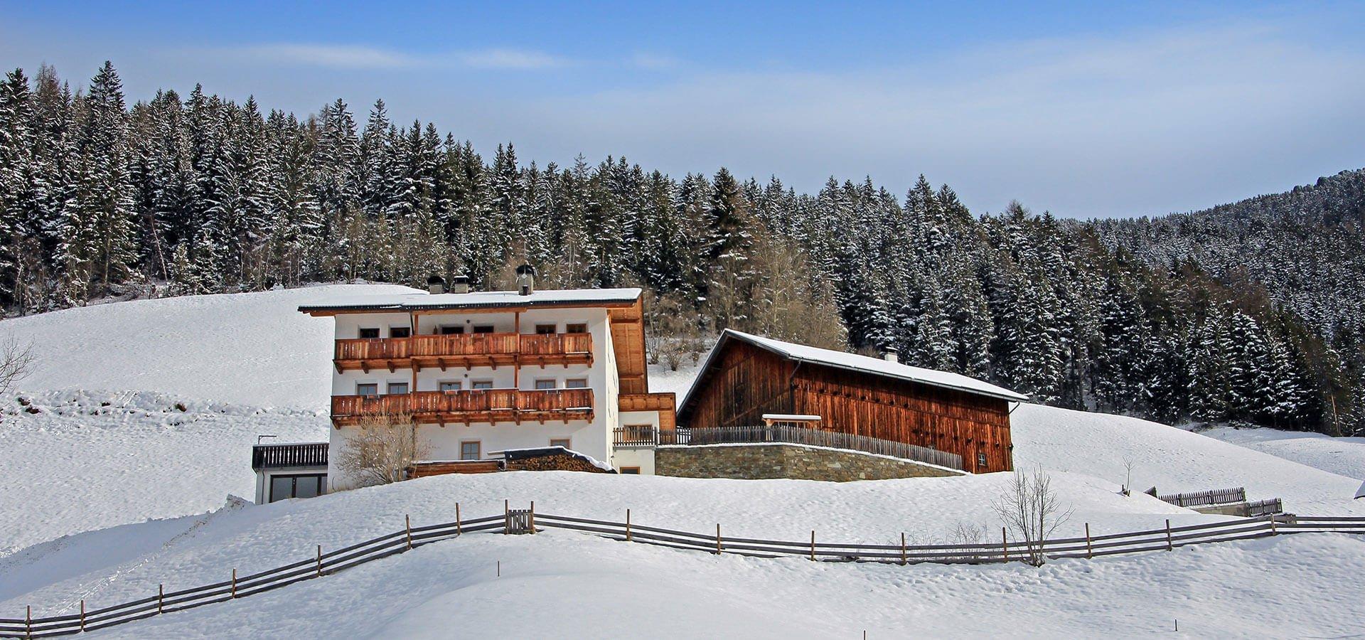 Urlaub-am-Bauernhof-im-Winter